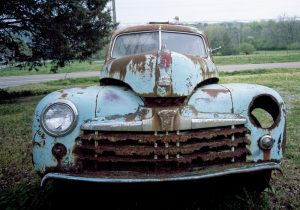 jalopy_that_has_seen_better_days_lccn2011635370-tif
